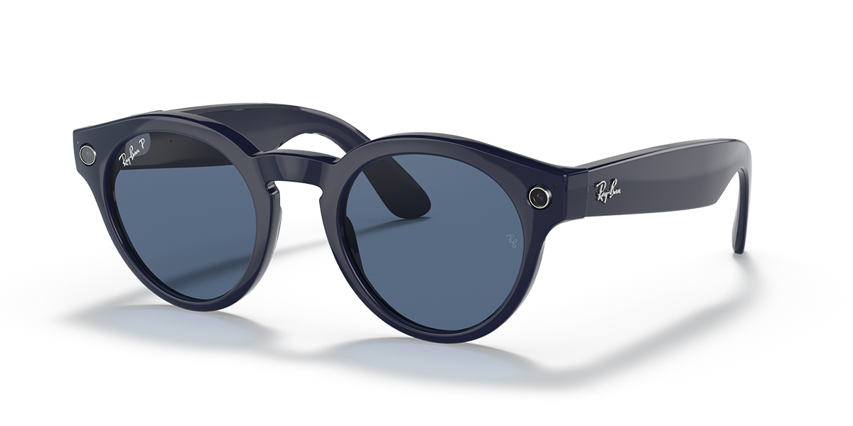 Ray-Ban Stories Round Blue Sunglasses quarter