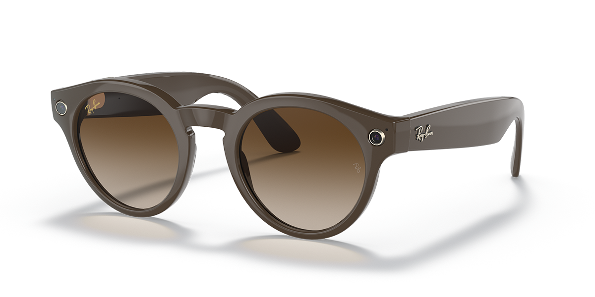 Ray-Ban Stories Round Brown Sunglasses quarter